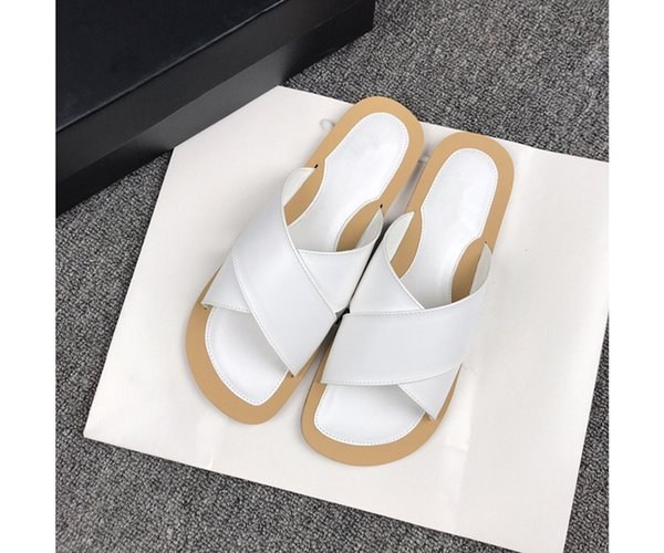 2019 niedriger preis Verkäufe Heiße luxus designer Mode leder Sandalen für frauen Hohe qualität farbmischung Top branded flip flops rf190608