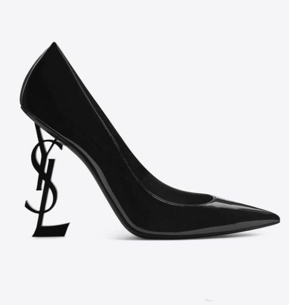 2019 Марка кожаной обуви женщина лета пряжки ремень заклепки сандалии туфли на высоком каблуке Заостренный носок моды моды Single Высокий каблук DH