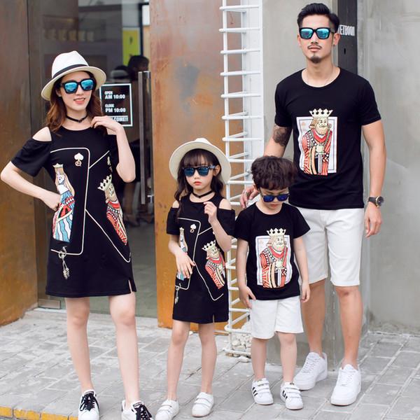 Moda coreana entre padres e hijos, verano, junto al mar, vestido de madre e hija, cara de póker negro, camisetas de algodón, trajes familiares Q190521