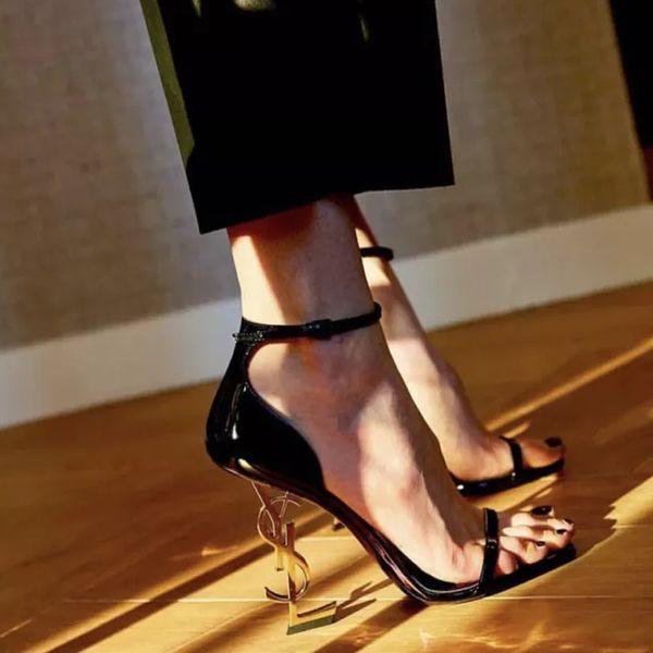 Immagine reale Marchio Scarpe sexy Donna Estate Fibbia con cinturino Rivetto Sandali Scarpe col tacco alto Punta a punta Moda Singola Tacco alto 10 cm 8 cm