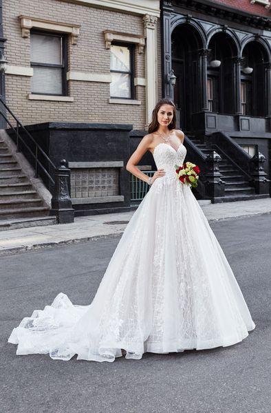 2019 A Line Wedding Dresses Sweetheart Neckline Lace Appliques Tulle Bridal Gowns Elegant Formal Dress for Bride