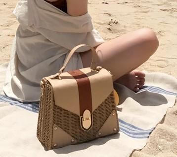 New Rattan Bag Small Handmade Straw Bag Popular Beach Bag For Women Crossbody Ata Handbag Luxury Designer Shopping Bags Y19061204