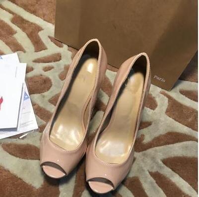 Großhandel - Klassische women039; s High Heels 13,5 cm Party High Heels Spitzkleid Schuhe women039; s Mode Nieten Party High Heels Original