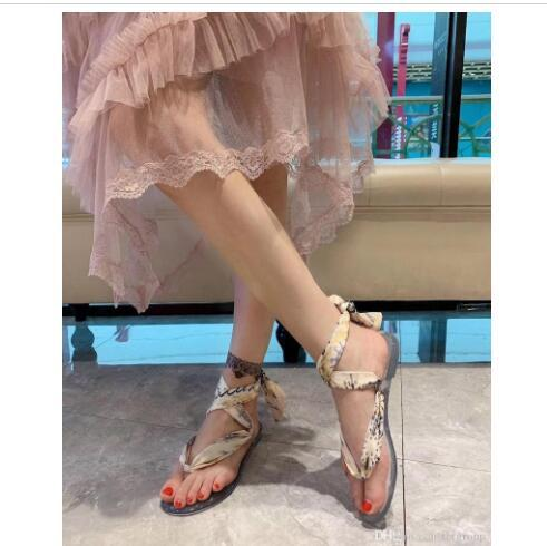 2019 summer women designer sandals twilly silk scarf Thong Sandal transparent PVC sole Beach Slippers flip flop free three styles of scarves