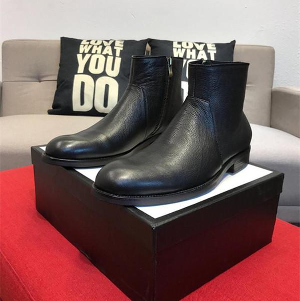 19ss Botines para hombre Hebilla roja Botas de montar Chaussure Homme Zapatos de cuero de vaca Oro Metal Toe Hombres Botas cortas 38-44