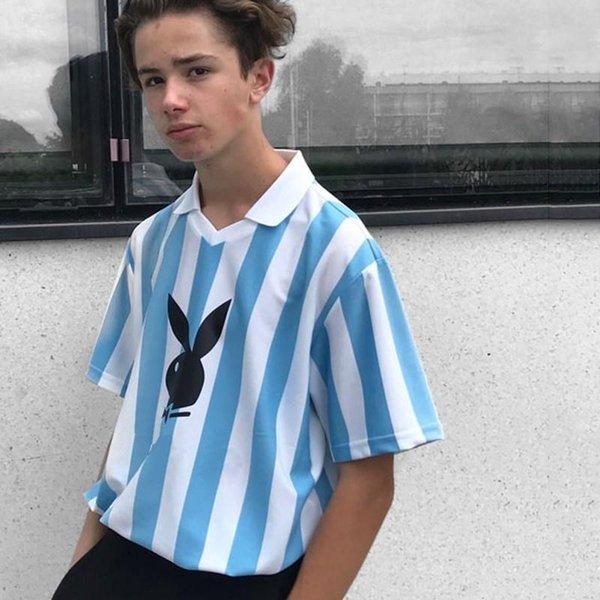 2018 Box Logo Playboy Soccer Jersey T-shirt Luxury High-end Men Women Sport Short Sleeve Vintage Summer Breathable Cool Casual Tee
