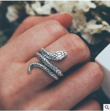Snake ring punk point rings 2018 new animal jewelry luxury brand design good quality hip hop rings 199