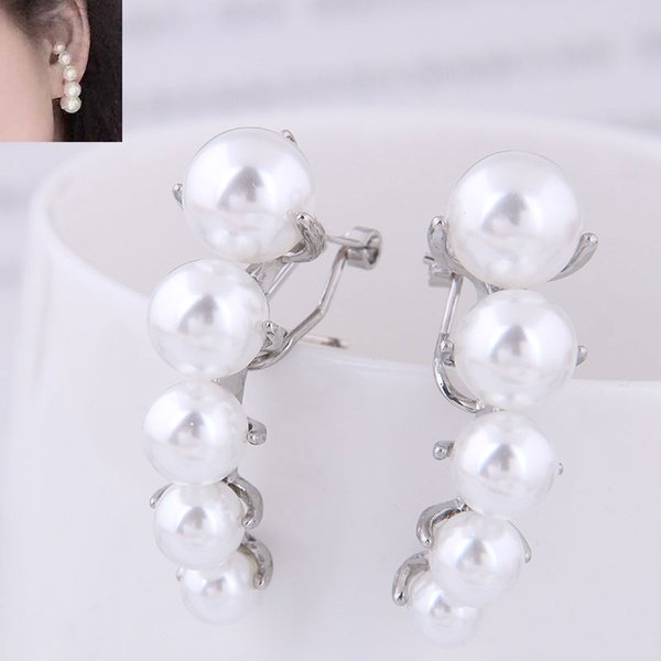 Simulierte Perlen-Ohrringe für Frauen 2019 Geometric nachgemachte Perlen New Earings Art und Weise Schmucksache-Bolzen-Ohrringe 2019