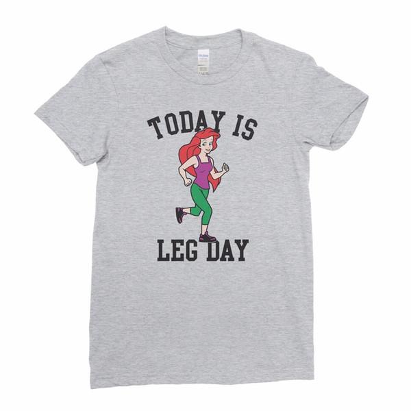 Oggi è Leg Day Little Mermaid Gym Maglietta delle donne di Ariel Maglietta TopFunny Maglietta casual unisex