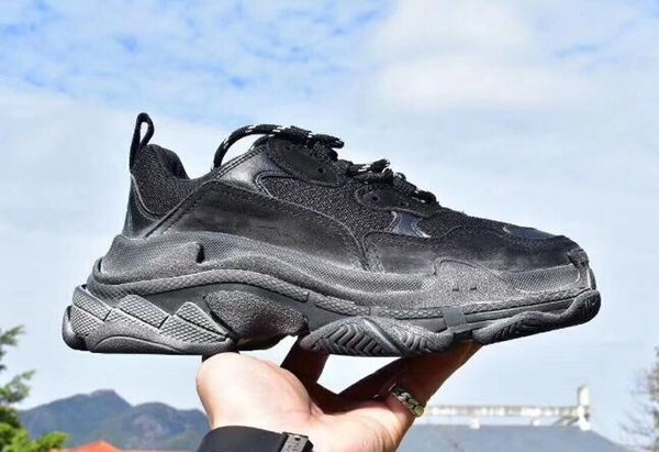 Bred Retro Luxury Womens Mens Sneaker Casual Shoes Mesh Trainers for Old Dad Triple S Party Trendy Shoes Daily Lifestyle Skateboarding 5dsf