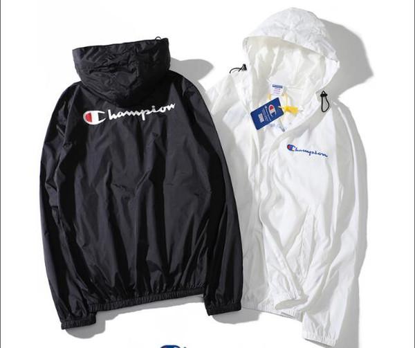 2018 New Style Jacket Uomo Donna Giacca estiva protezione solare strato singolo Casual Giacca a vento moda protezione solare sottile cappotto