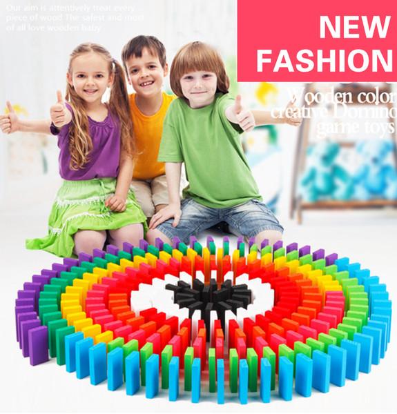 Kid Hediye için 100pcs Ahşap Domino Taşları Renk sırala Gökkuşağı Setleri Erken Parlak Domino Oyunlar Eğitici Oyuncaklar