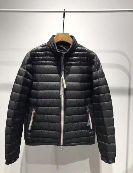 Mejor calidad M marca Hombre Abrigo de invierno Casual Chaqueta fina de plumón Pato real abajo con capucha Parkas de plumón para hombre