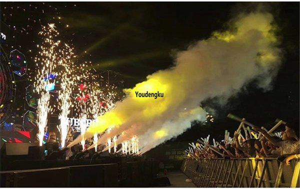 6pcs 700w feux d'artifice Touch étincelle en scène de la machine feux d'artifice feux d'artifice froids de projecteur de flamme d'allumage DMX sans fil