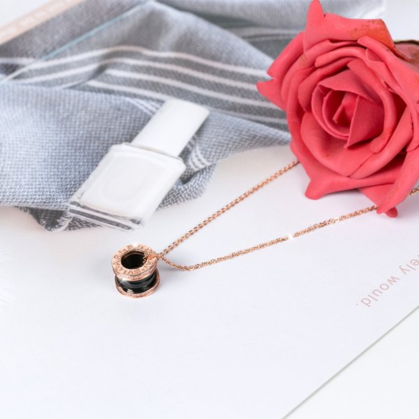 Rosa de Oro + + joyas de cerámica negro