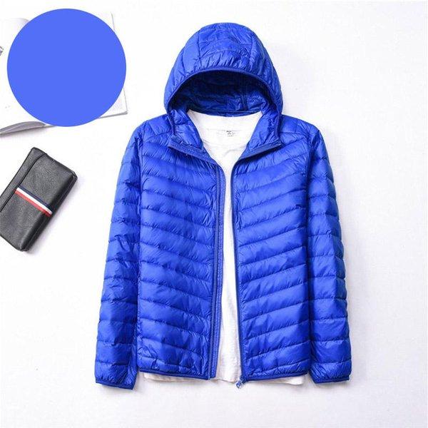 Kapşonlu mavi