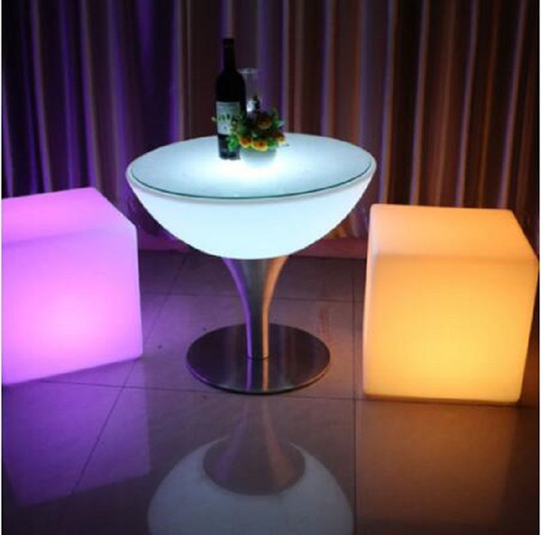 led furniture LED bar stool luminous cube chair Size 20cm outdoor luminous furniture creative remote control colorful changing sidestool 1:Material: LLDPE Polythylene plastic 2:Type: Bar Furniture 3:Specific Use: Bar Stool 4:led furniture 5: LED bar stool