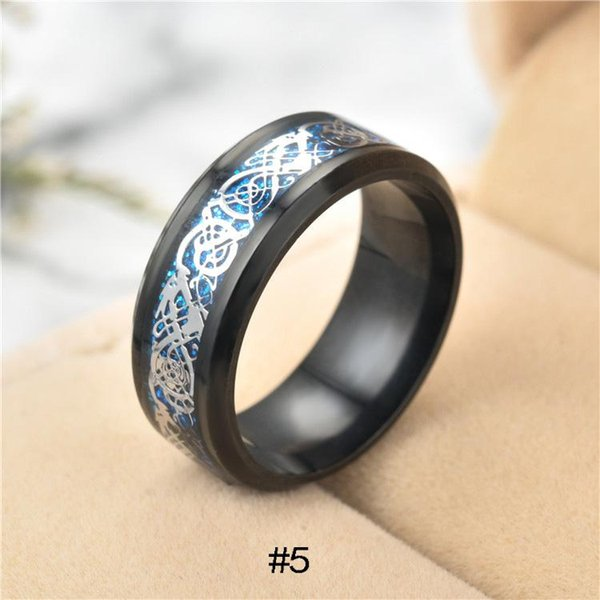 12 Color 316L Anillos de Acero Inoxidable Plata Oro Negro tallado pieza Dragón Totem Titanio dedo anillo Para Hombres Mujeres s Joyería de Moda a Granel