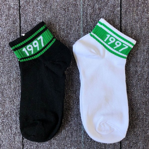19SS men and women Street hip hop socks shallow student letter 1997 digital thin low-end socks wholesale