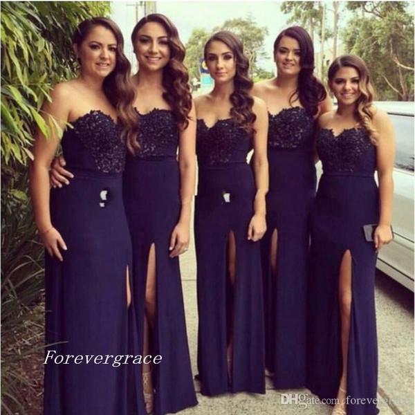 Vestido de dama de honor azul marino barato 2019 con escote corazón dividido Vestido largo de dama de honor vestido de invitado de boda Hecho a medida Más