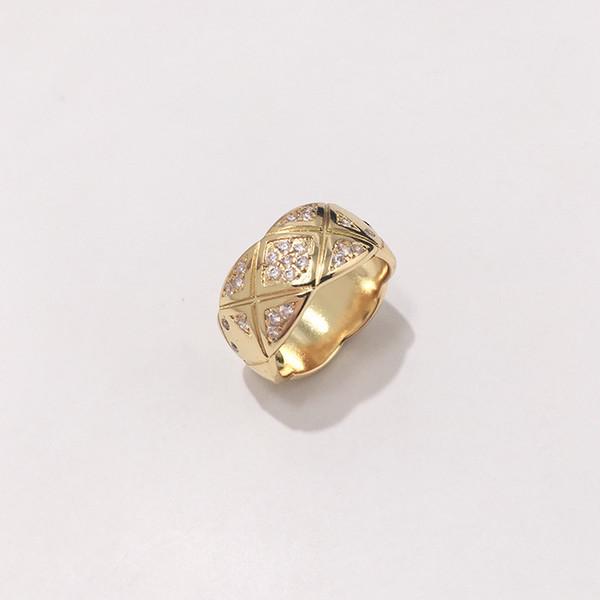 ampio anello d'oro