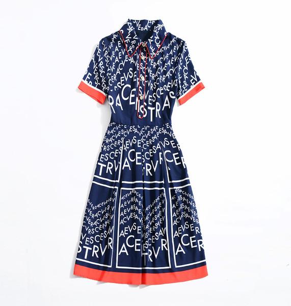 Roupas femininas europeias e americanas 2019 novo estilo de verão A carta de impressão vestido azul com mangas curtas e lapelas