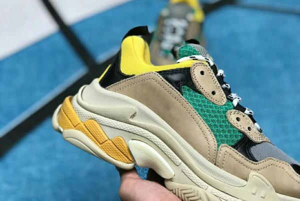 2019 Multi Luxo Triplo S Designer Low New Arrival Sneaker Combinação Solas Botas Homens Mulheres Runner Shoes Top Quality Sports Calçados Casuais