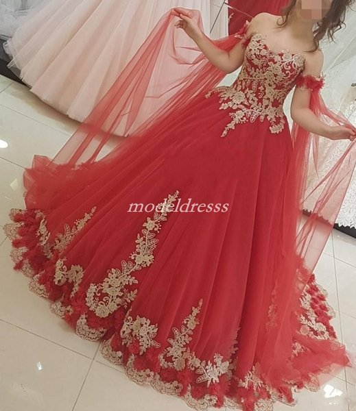 2019 New Quinceanera Dresses Off Shoulder Long Train Sleeve Gold Appliques 3D Flowers Sweep Train Prom Party Gowns For Sweet 15 Plus Size