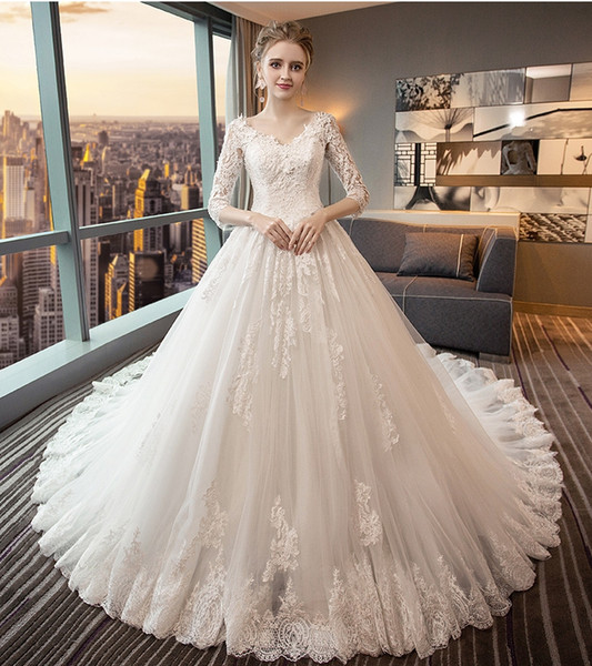 Backless Wedding Dresses V Collar Long Sleeves Cathedral Wedding Dresses Bees Lace Decal Autumn And Winter Wedding Dresses DH111