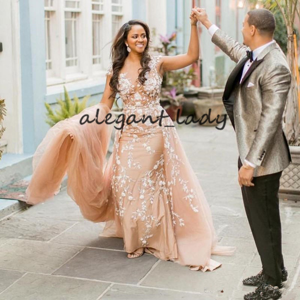 Pale-Peach Classic Prom Dresses with Overskirt 2019 White 3D Floral Applique Mermaid Sexy African Runway Evening Pageant Gown