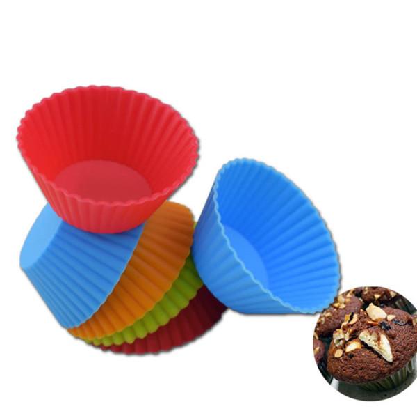 2019 5 cm Silikon Cupcake Runde Wiederverwendbare Backkuchenformen Geleeform Cupcake Maker Muffin Tasse (Zufällige Farbe)