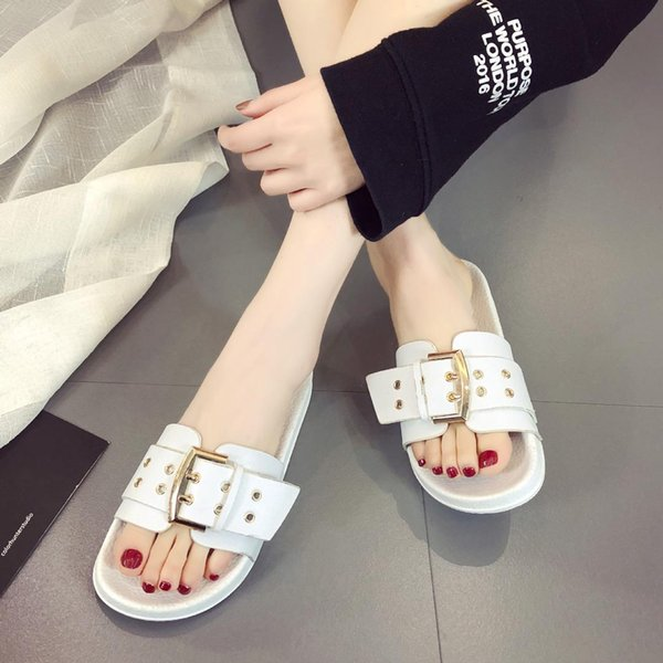 2019 New Fashion Flat-soled Sandals Red black white Metal Button Women leisure beach outdoor flat slides shoes Women