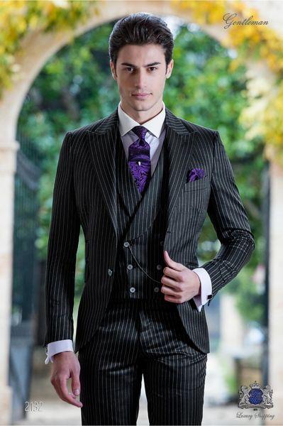 Handsome Two Buttons Groomsmen Peak Lapel Groom Tuxedos Men Suits Wedding/Prom/Dinner Best Man Blazer(Jacket+Pants+Tie+Vest) 684