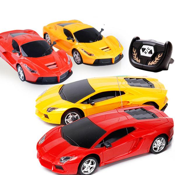 Luxury SportsCar RC Auto M-Racer Telecomando Auto Coke Can Mini RC Radio Telecomando Micro Racing 1:24 Car Toy