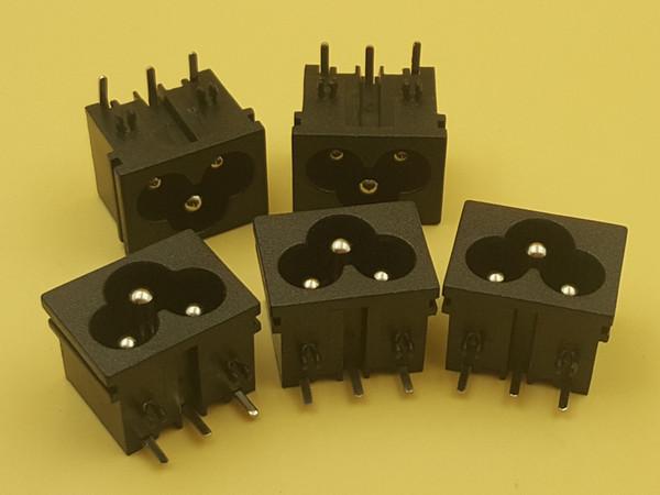 100 Adet 3 Pins IEC320 C6 Güç Giriş Soket Konnektörü AC 250 V 2.5A Paneli Gömülü