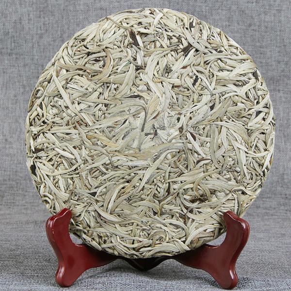 Vente en gros Yunnan Pu'er Raw Tea Tree antique unique Bud Moonlight Single White Bud Tea Baihao aiguille d'argent