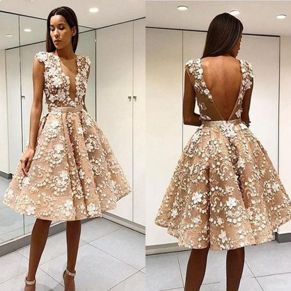 Elegante Robe De Soiree Champagne Short Homecoming Prom Dresses Sexy aperto indietro pizzo Appliqued al ginocchio Tulle Abiti da cocktail party formale