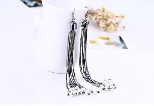 Long earrings with fashionable metallic tassel pearl earrings Female wholesale