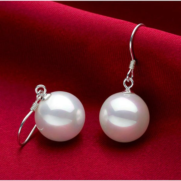 8M personality exaggeration in Europe and America pearl ear nail earrings women's fashion jokers temperament earrings manufacturers direct w
