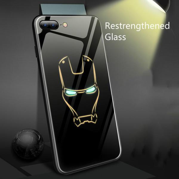 Coque marvel batman homem de ferro luminosa telefone de vidro case para iphone x 6 6 s 7 8 plus 7 mais xs max xr 5 spiderman pantera negra case