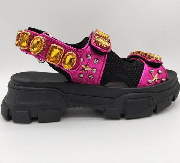 2019 yeni moda erkek deri ve örgü sandalet perçinler ile kristal yaz bayanlar sandalet perçinler terlik terlik nefes konfor