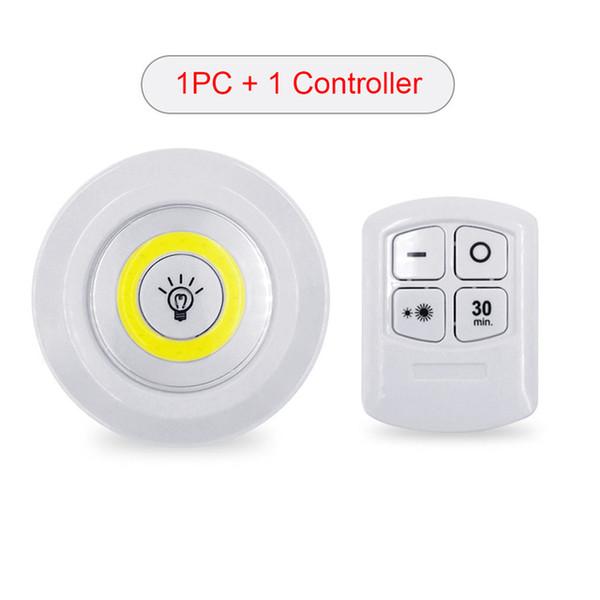 1 / contrôleur + 1 / lumière