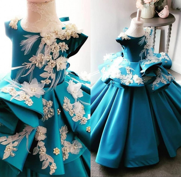 Elegant Pearls Blue 3D Floral Flower Girl Dresses Applique Beads Feather Floor Length Little Girl Wedding Gowns Vintage Satin Pageant Dress