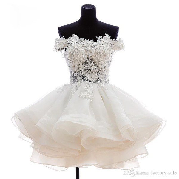 Vestidos de cóctel con hombros descubiertos blancos Apliques de encaje floral Botón cubierto Volantes traseros Vestido de fiesta Vestido de fiesta corto