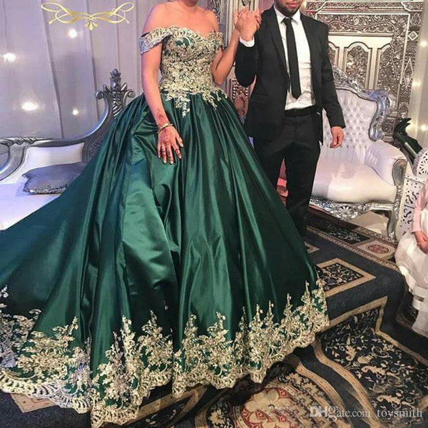 High Quality Emerald Green Long Evening Dress Off Shoulder Gold Lace Appliqued Ball Gown Prom Dresses Formal Wear Robe de soriee