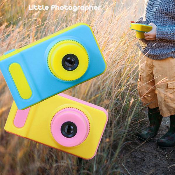 Caméra HD pour enfant avec écran ACL de 2,0 pouces prenant en charge une carte mémoire de 32 Go Mode photo 200 000 pixels Enregistrement de jeux vidéo