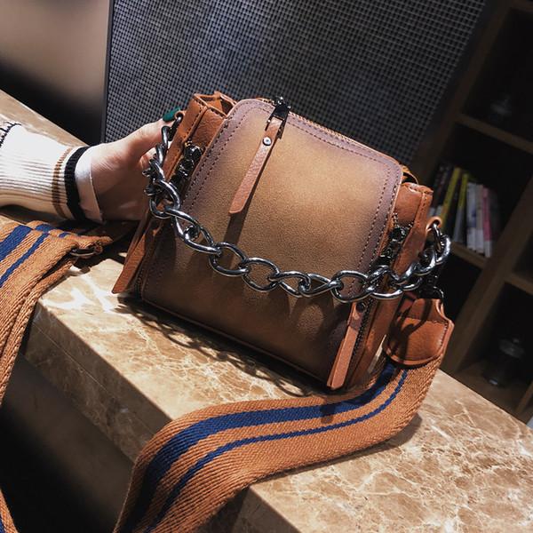 Shaped Scrub Leather Design Crossbody 2018 Nueva Alta Calidad Mujeres Cadena de la raya de la correa ancha Hombro Flap Bag Bucket Bag MX190725