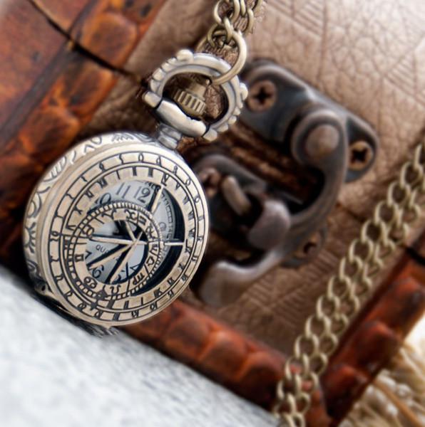 Vintage Children Pocket Watch Compass Arabic Number White Dial Round Quartz Movement Fob Watch with Necklace Chain Gift Watch