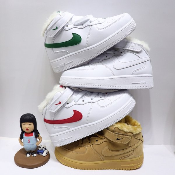 top popular Cheap Force One 1 Kids Casual Shoes Snow boots Children Boys Classic Running Shoes Jogging Casual Design Baby Kids Sneakers Boys and Girls 2020
