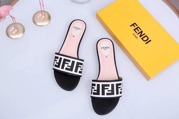 2019 yeni erkekler veya kadınlar Terlik Siyah Beyaz Slaytlar Sandles Flats Süet ayakkabı Lüks Tasarımcı Moda Hakiki Deri kutusu ile